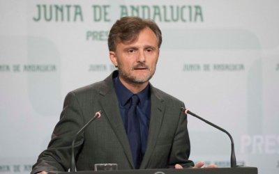 El consejero de Medio Ambiente defiende los trámites de la Junta en la Torre del Puerto