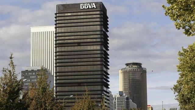 Torre del BBVA convertida en Monumento